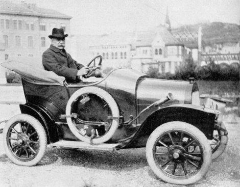 Automobil Marta prin Arad