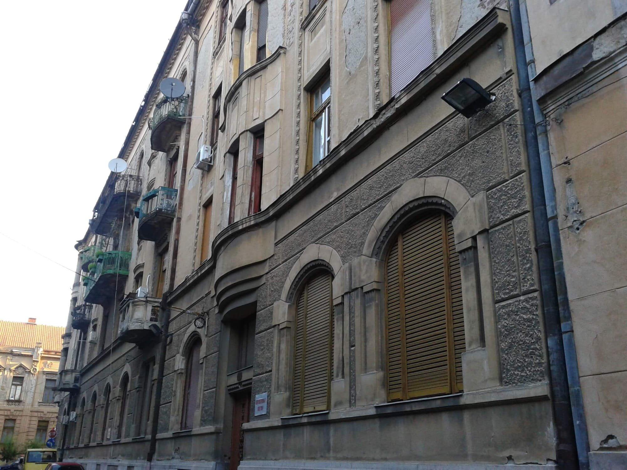 fatada Palatului Bohus inspre strada Romanului