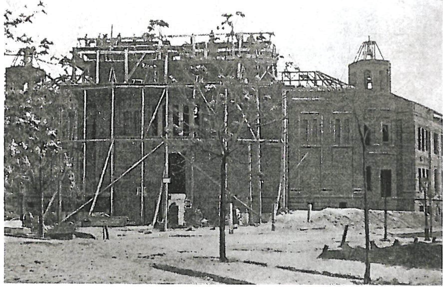 construirea palatului cultural arad