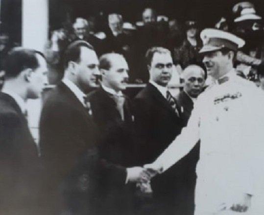 Neuman Francisc si Ede il intampina pe Regele Carol